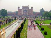 A very busy Taj Mahal gate, just after the rain